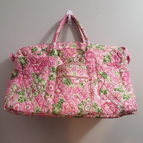 Vera Bradley Handbags - Vera Bradley Overnight Bag